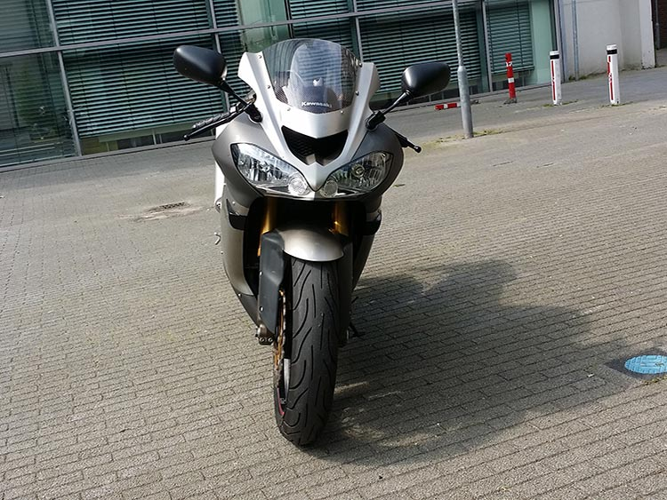 Kawasaki-ZX10-R